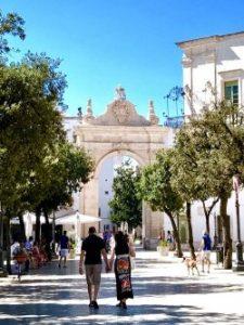 La piazza principale, denominata lo stradone  di Martina Franca