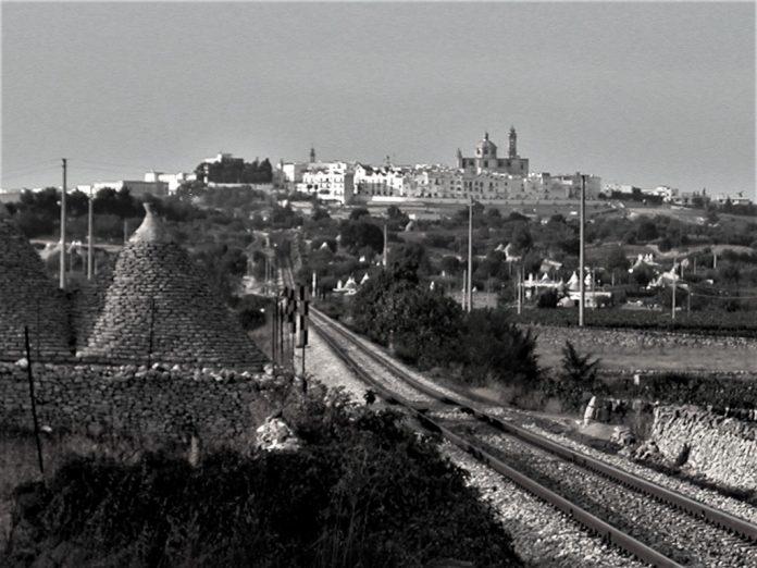 FSE Ferrovie Sud-Est nei pressi di Locorotondo