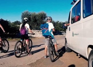 In bicicletta dalla Valle d'Itria al mare: video